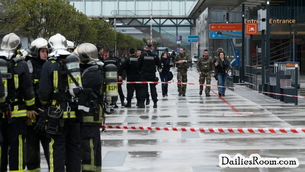 Paris-Orly Airport : Man Shoot Dead After Grabbing Soldier's Gun