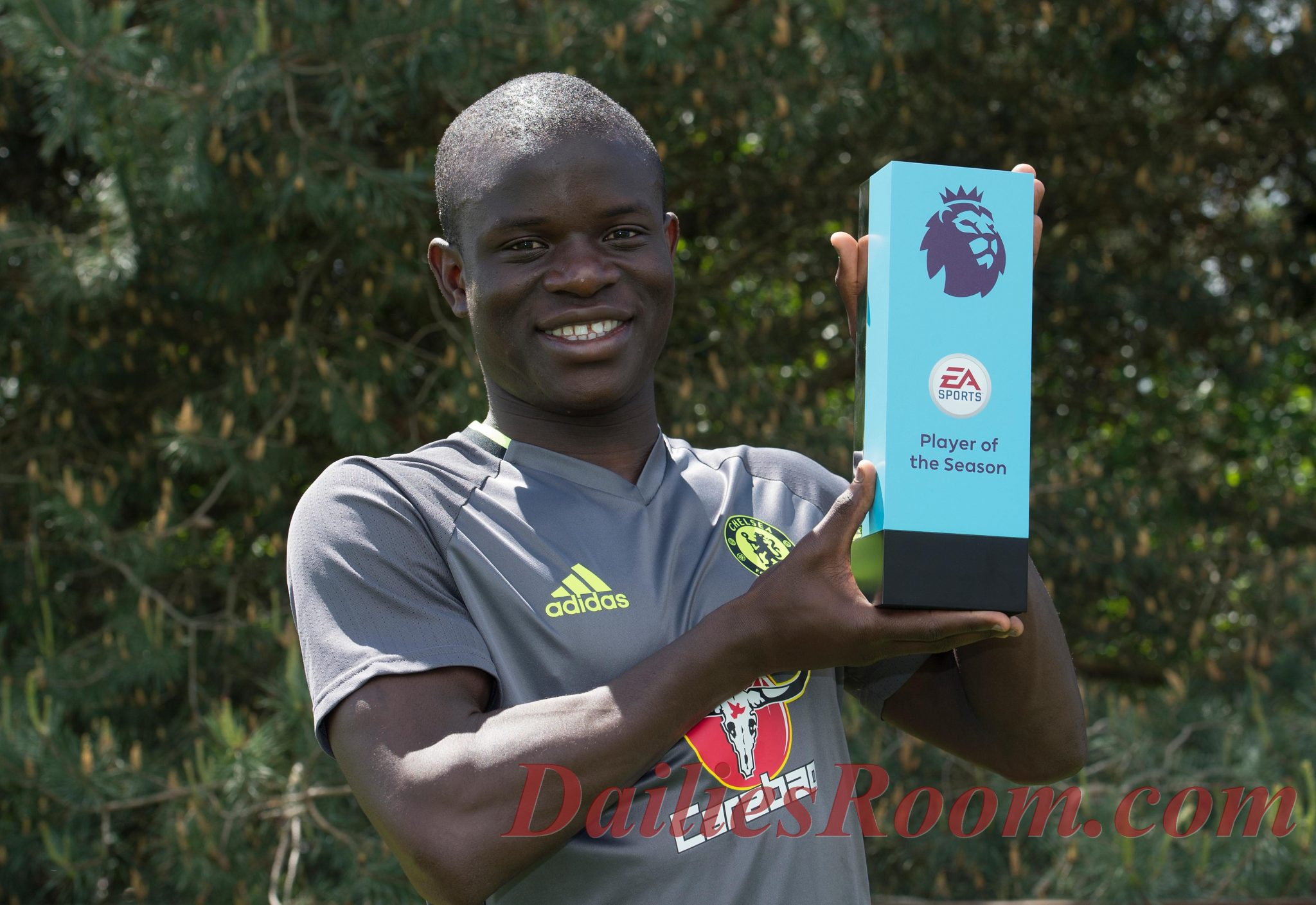N'golo Kante wins English Premier League Best Player of the Season